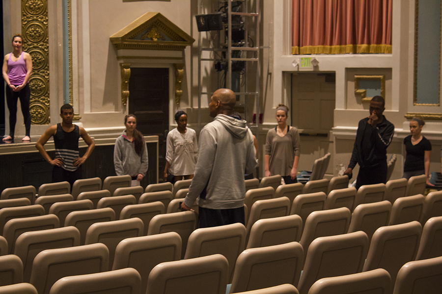 Cornelius Carter teaching high school understudies